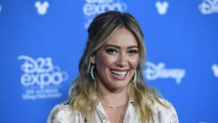 'How I Met Your Father' Spinoff Announced Starring Hilary Duff
