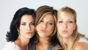 """Courteney Cox, Jennifer Aniston and Lisa Kudrow played """"Monica"""", """"Rachel"""", and """"Phoebe"""" in the series 'Friends'."""