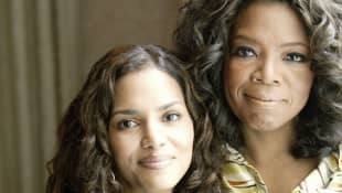 Halle Berry y Oprah Winfrey