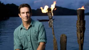 Jeff Probst in the 2008 promo for Survivor