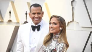 "Jennifer Lopez And Alex Rodriguez ""Seem Much Happier,"" Source Says"