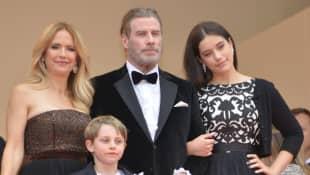 Kelly Preston, John Travolta, Ella Bleu Travolta y Benjamin