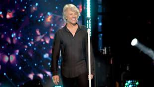 "Jon Bon Jovi Opens Up About His ""Topical"" New Album '2020'"