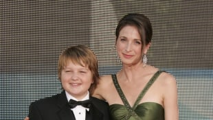 Marin Hinkle and Angus T. Jones in 2007