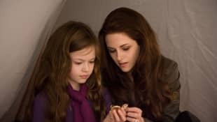 Mackenzie Foy and Kristen Stewart Twilight