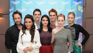 Luke Perry, Marisol Nichols, Casey Cott, Camila Mendes, KJ Apa, Madelaine Petsch Lili Reinhart Riverdale 2017
