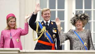 La Reina Beatriz y los Príncipes Willem-Alexander y Máxima Zorreguieta