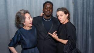Yuh-Jung Youn, Daniel Kaluuya y Frances McDormand