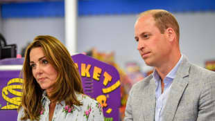 Prince William And Duchess Kate Play Virtual Game With Pakistani Students