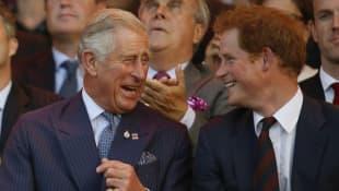 Príncipe Carlos y el príncipe Harry