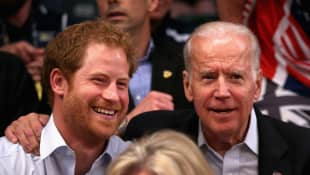 El príncipe Harry y Joe Biden
