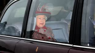 The Queen attends last church service before Christmas