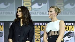 Scarlett Johansson y Rachel Weisz