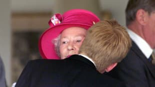 La reina Isabel y el príncipe Harry