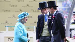 Reina Isabel y el príncipe Harry