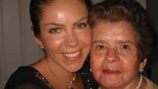 Rocío Sánchez Azuara y su madre