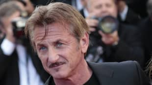 "Sean Penn Furious With His Vaccine Site Staff ""Betrayal"""