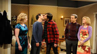 Vanessa Bayer, Paul Rudd, Bill Hader, Fred Armisen, and Kristin Wiig on 'SNL'
