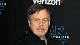 """Star Wars Mark Hamill Surprises A Nurse And Gifts Her A Lightsaber: """"You're The Real-Life Hero"""""""