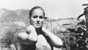 FUN IN ACAPULCO, Ursula Andress, 1963