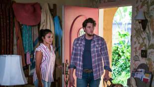Gina Rodriguez y Brett Dier