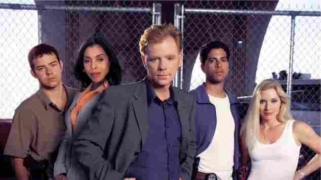Rory Cochrane, Khandi Alexander, David Caruso, Adam Rodriguez y Emily Procter en una imagen promocional de la película 'CSI: Miami'