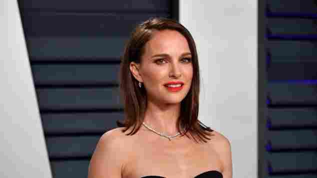 Natalie Portman attends the 2019 Vanity Fair Oscar Party