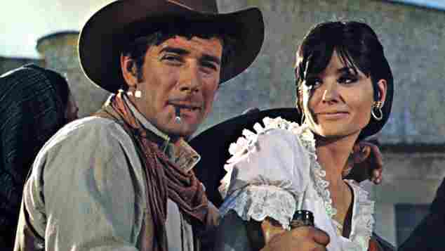 """Robert Fuller and Elisa Montes in """"Return of the Magnificent Seven"""""""