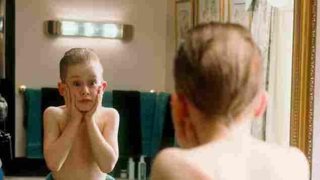 Macaulay Culkin Wears Hilarious 'Home Alone' Mask - See The Pic Here