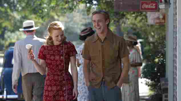 Rachel McAdams y Ryan Gosling en una escena de la película 'Diario de una pasión'