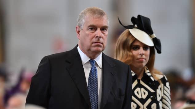 Por escándalo entre el príncipe Andrew y Epstein la princesa Beatriz podría dejar el Reino Unido