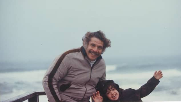 Ben Stiller Posts Picture In Honour Of Father Jerry Stiller death anniversary one year 2021 age 92 2020