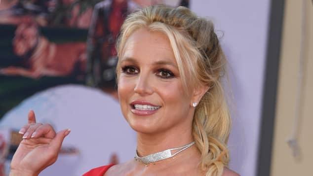 Comparan a Britney Spears con Thalia por uso de redes sociales