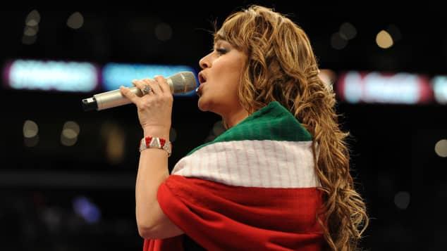 Inédita canción de Jenni Rivera es un regalo para sus fans en su cumpleaños 51