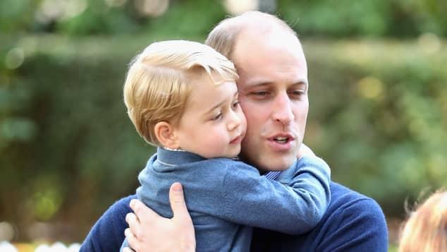 Príncipes William y George