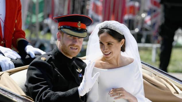 """El príncipe Harry buscaba una pareja para """"romper las reglas"""" de la realeza"""