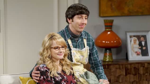 Simon Helberg and Melissa Rauch in 'The Big Bang Theory'.