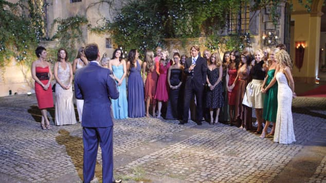 Chris Harrison, Prince Lorenzo Borghese and the contestants on Season 9.