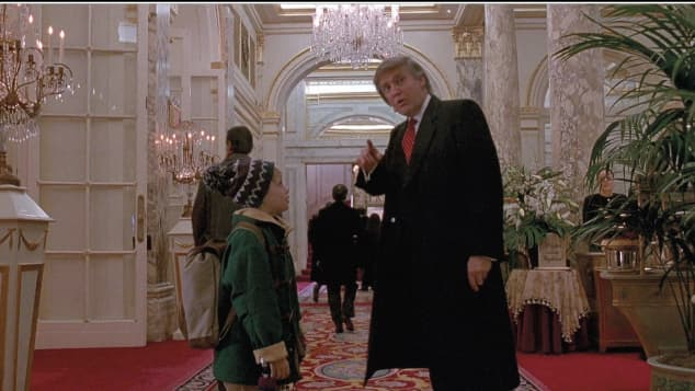 Macaulay Culkin and Donald Trump in 'Home Alone 2: Lost in New York'