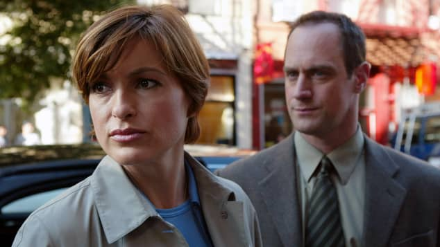 "'Law & Order' Reunites ""Stabler"" And ""Benson"" For Crossover April 1"