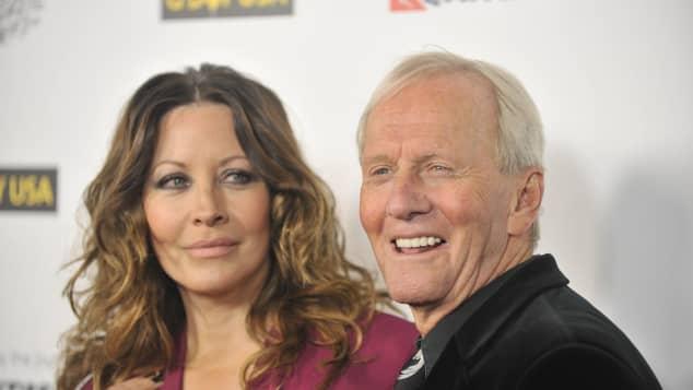 Linda Kozlowski and Paul Hogan