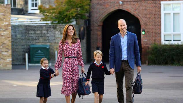El príncipe William y la duquesa Kate se van de vacaciones de verano con sus hijos