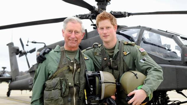 El príncipe Carlos y el príncipe Harry