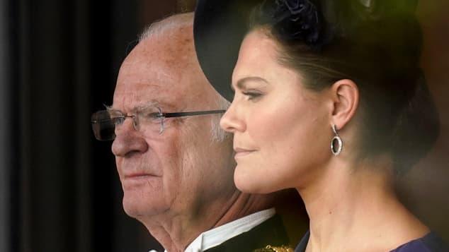 Rey Carlos XVI Gustavo de Suecia y la princesa Victoria