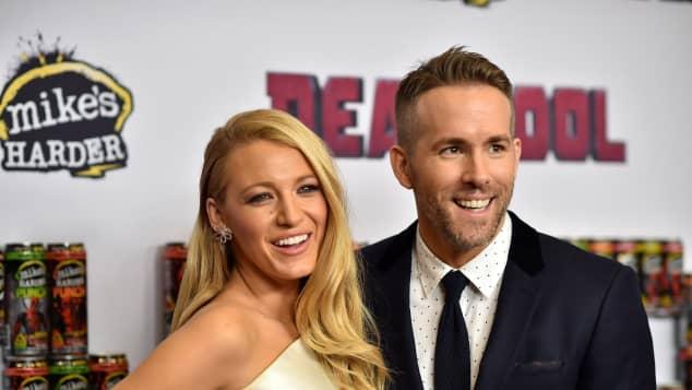 """Ryan Reynolds bromea con dejar a Blake Lively por """"volver a quedar embarazada"""""""