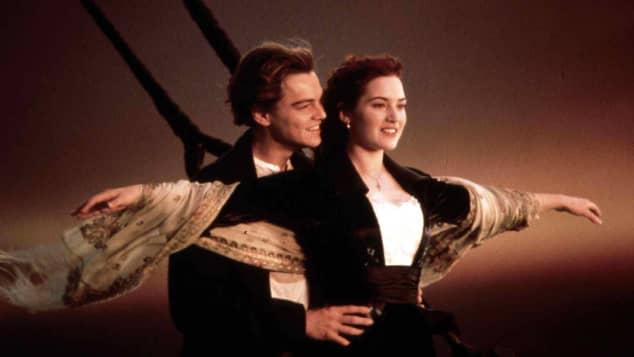 Rose y Jack en la icónica escena de 'Titanic'