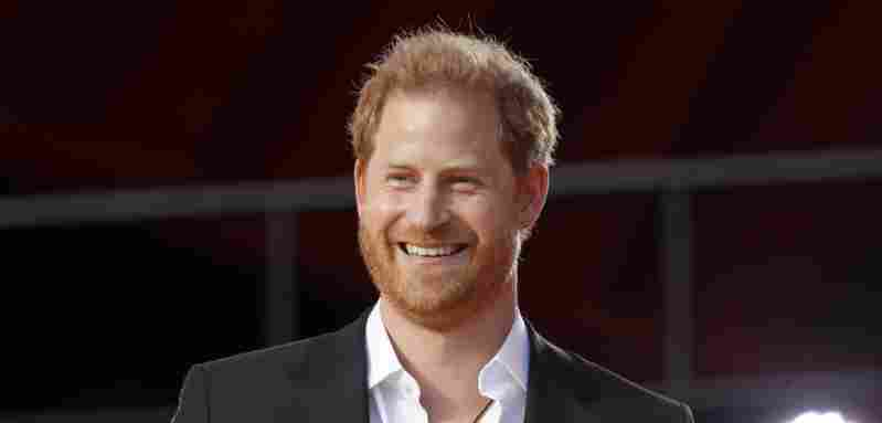 Prince Harry Had Funny Mix-Up With A 3rd-Grader In New York trip 2021 Harlem Meghan reading The Bench book Queen Elizabeth royal family news