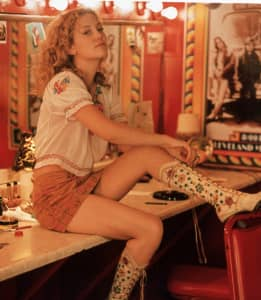 """Kate Hudson as """"Penny Lane"""" in 'Almost Famous' (2000)."""