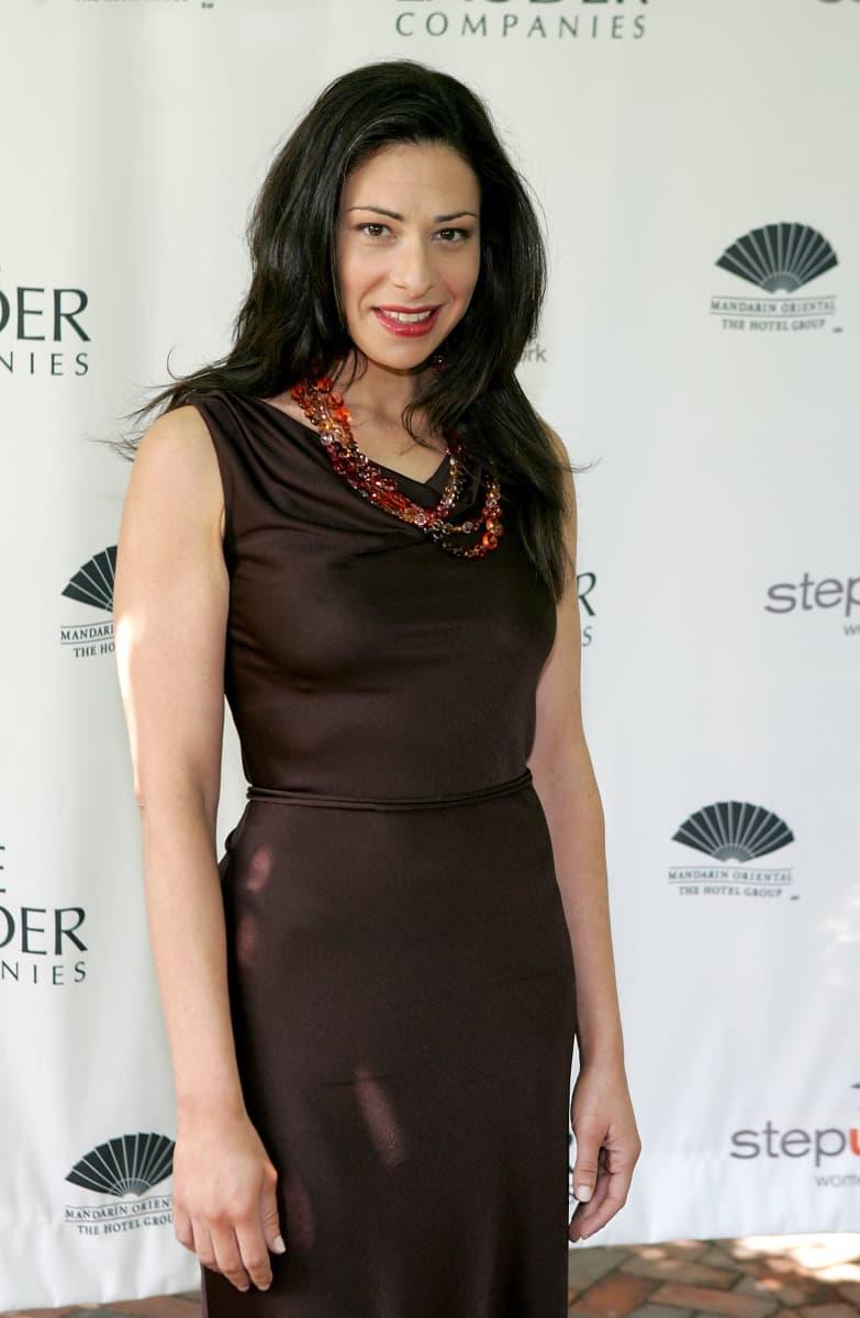 Kim Kardashian wears sexy see-through dress on Tonight