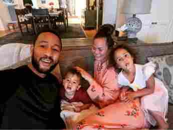 Chrissy Teigen, John Legend y familia
